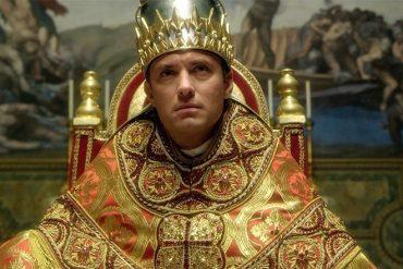 Un pape moderne qui porte la tiare ?