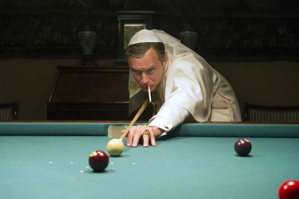 Lenny Belardo dit Pie XIII (Jude Law) dans la Série The Young Pope