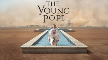 The Young Pope (Pie XIII) sort de sa piscine