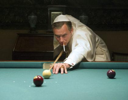 Lenny Belardo dit Pie XIII (Jude Law) dans la Série The Young Pope