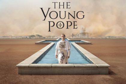 The Young Pope (Pie XIII) sort de sa piscine