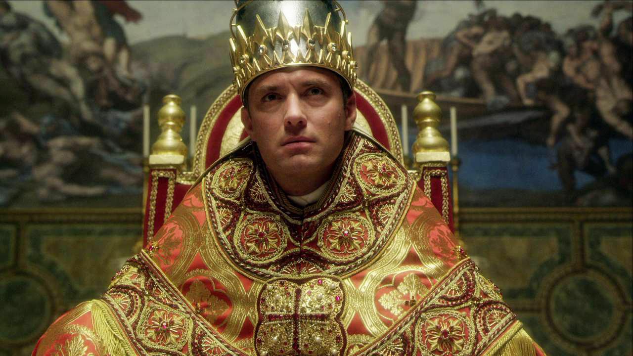 L'exubérance de Pie XIII tranche avec la simplicité du pape actuel..